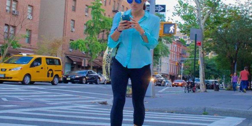 Yürürken telefon kullanmak yasaklandı!