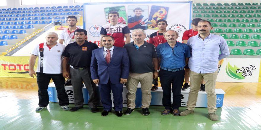 Güreş Turnuvasında Türkiye 8 Altın Madalya İle Birinci