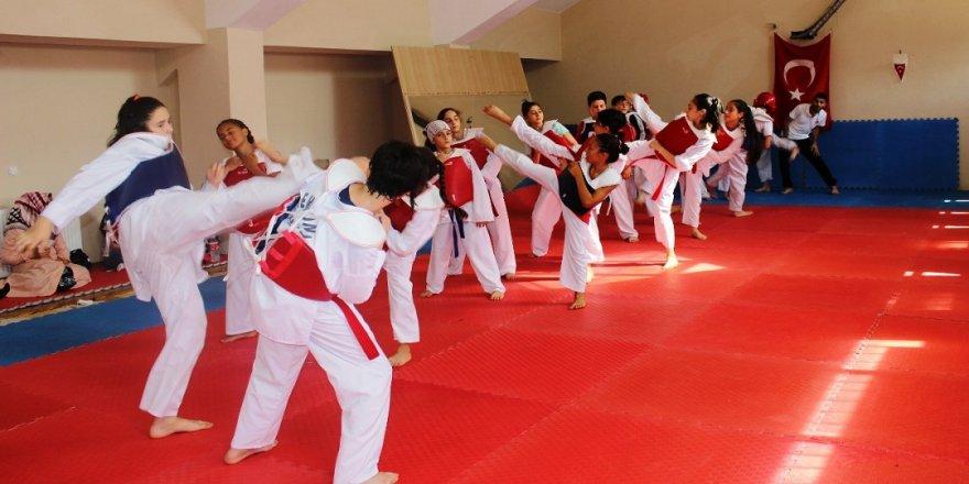 Gebze'de 7500 öğrenci sporla tanışıyor