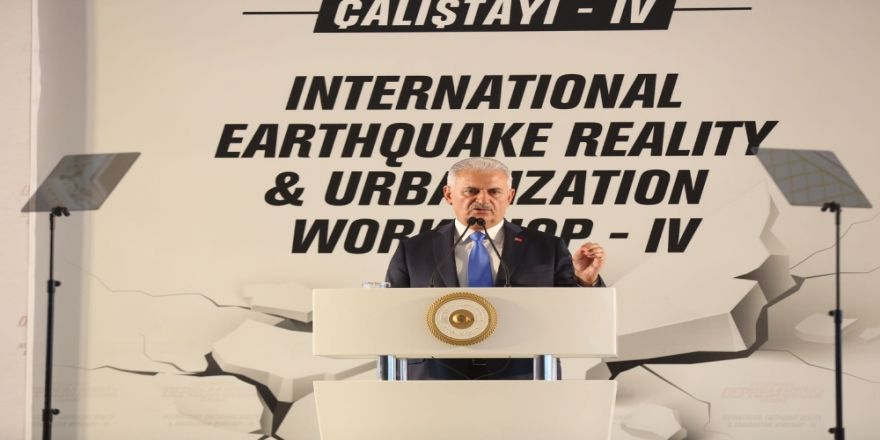 """""""Deprem Gerçeğiyle Yaşamayı Öğrenmek Mecburiyetindeyiz"""""""
