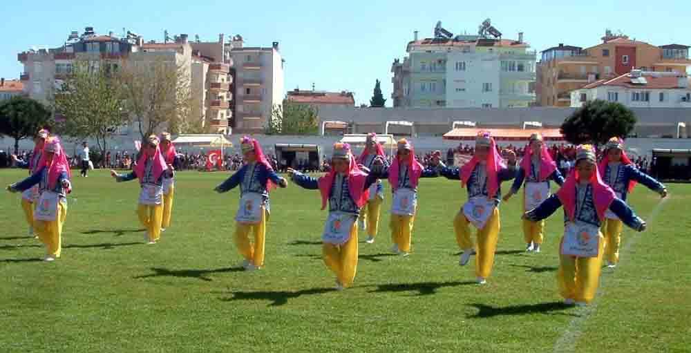 Burhaniye'de 23 Nisan coşkusu!
