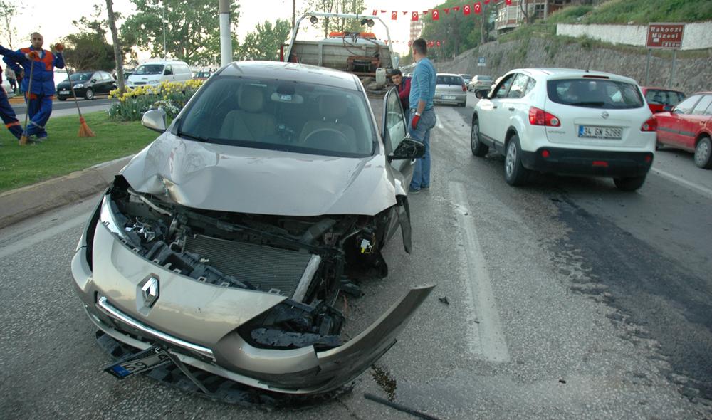 Tekirdağ'da zincirleme trafik kazası: 2 yaralı!