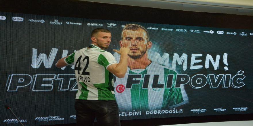 Atiker Konyaspor, Hırvat Stoperle Sözleşme İmzaladı