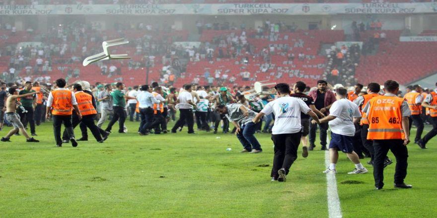Bakanlık Futbolda Şiddeti Önlemek İçin Harekete Geçti