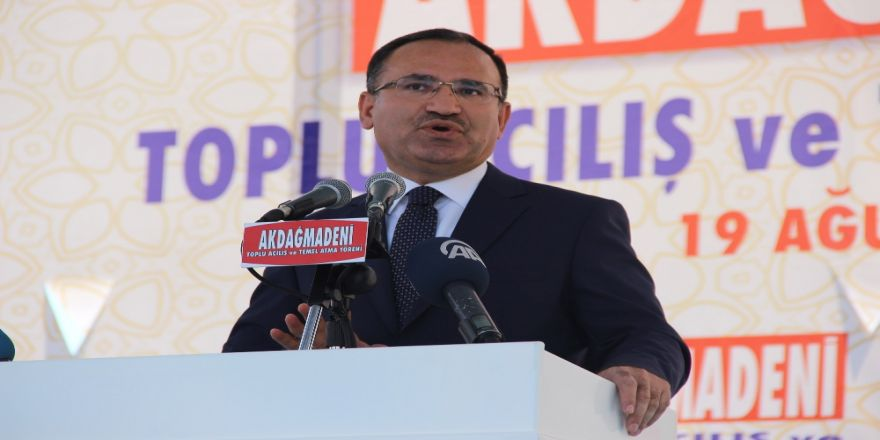 """""""Kılıçdaroğlu Cumhurbaşkanlığı Adaylığına Oynuyor"""""""