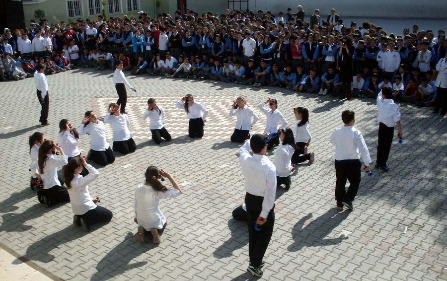 Edremit'te 2 bin kişiye pilav dağıtıldı!