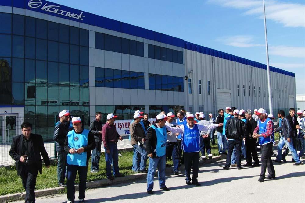 Bursa KOMVEK Fabrikası'nda grev!