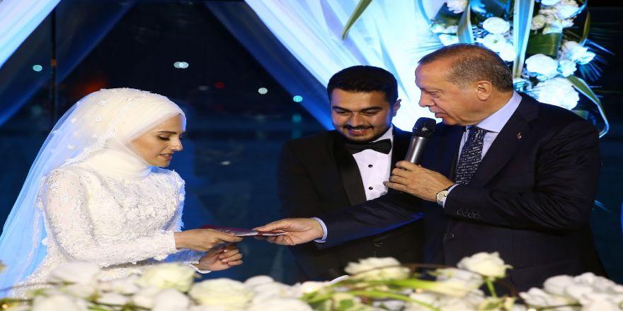 Cumhurbaşkanı Erdoğan Nikaha Katıldı