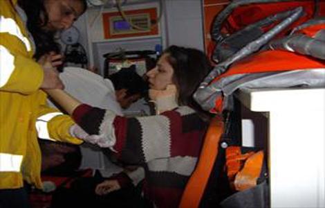 Öğrenci servisi kaza yaptı: 10 yaralı!