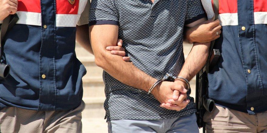 Uyuşturucu alan 6 kişiye gözaltı