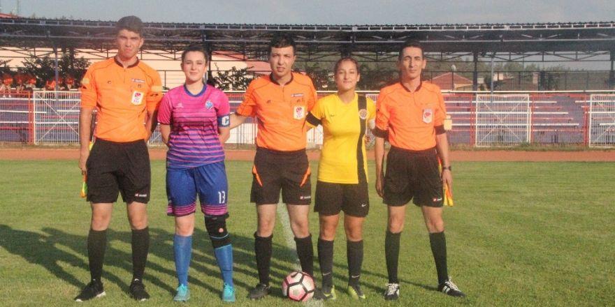 Genç Kızlar Futbol Şampiyonasının İkinci Günü Tamamlandı