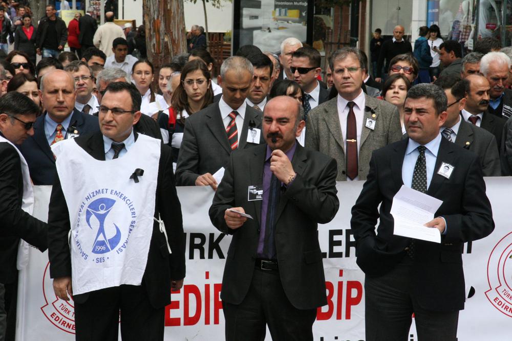 Edirne'de doktorlar ayaklandı!