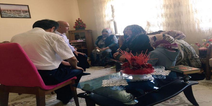 Cumhurbaşkanı Erdoğan Acılı Aileyi Teselli Etti