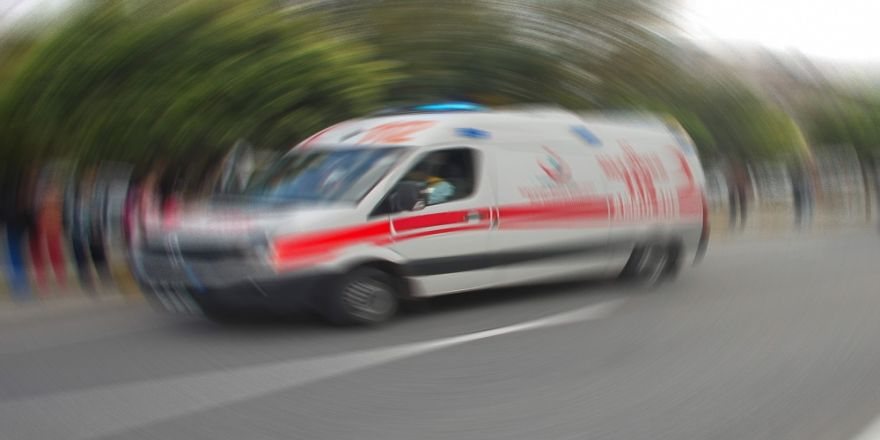 Minibüs İle Motosiklet Çarpıştı: 2 Ölü
