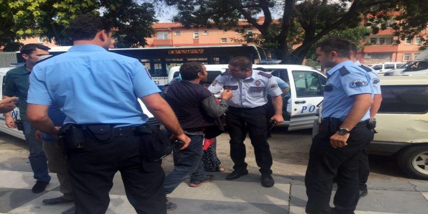 Hasta Yakınları Hastaneyi Birbirine Kattı: 4 Gözaltı