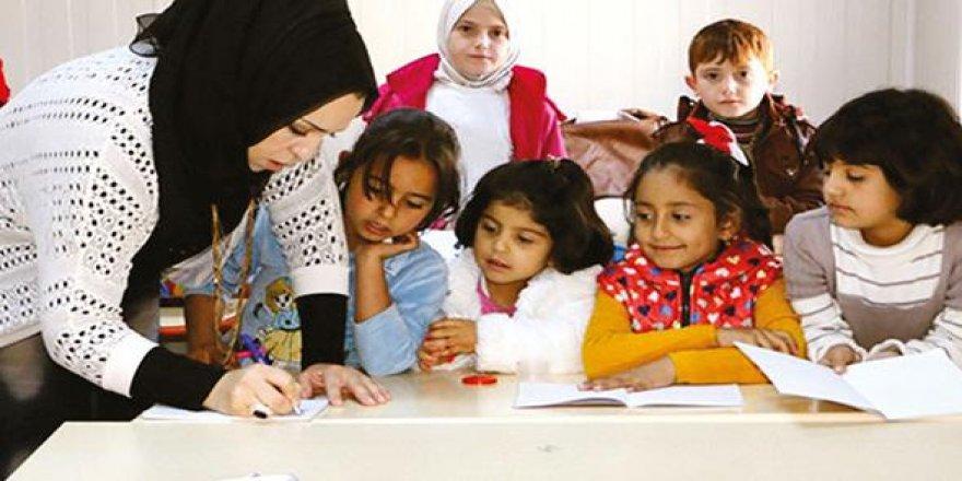 Önce Suriyeli öğretmenler alınacak!