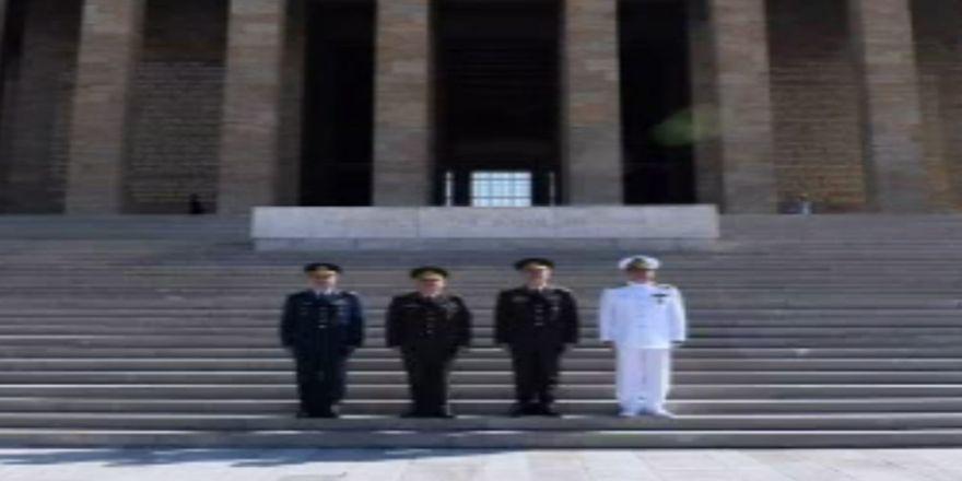 Yeni Kuvvet Komutanlardan Anıtkabir ziyareti