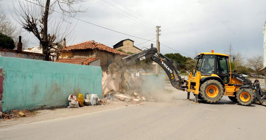 Balıkesir Belediyesi yolları genişletiyor!