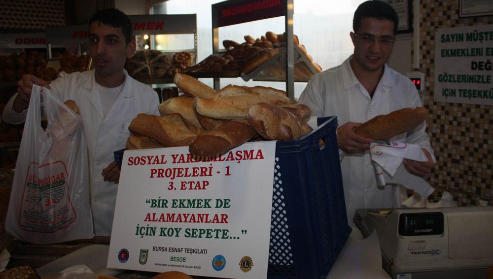 Fakirler için ekmek kampanyası!