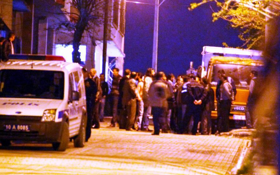 Silahlı mahalle kavgasında 5 kişi yaralandı!