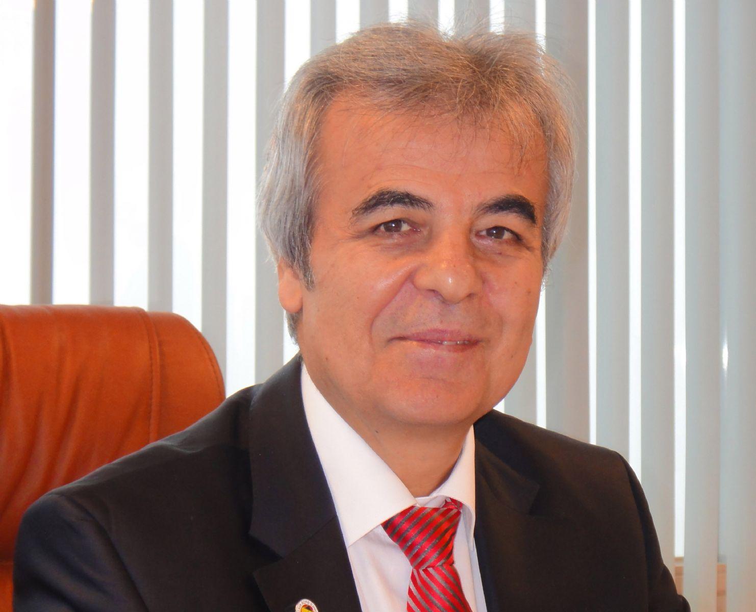 Karamanoğlu rektörlük için adaylığını açıkladı!