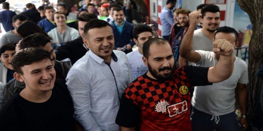 Türkiye-Hırvatistan maçı biletlerine yoğun ilgi