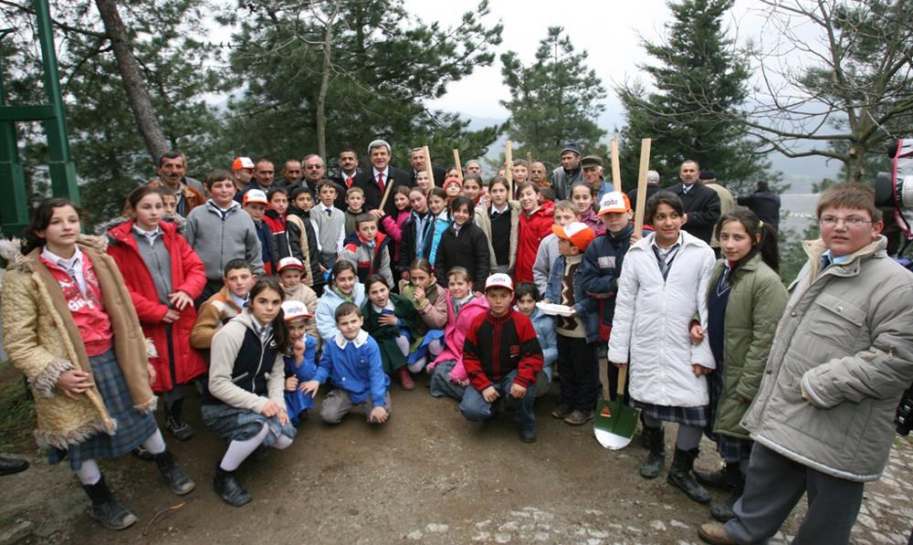340 bin çocuk için ağaç dikildi!
