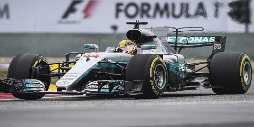 Mercedes, Lewis Hamilton ile nikah tazeledi