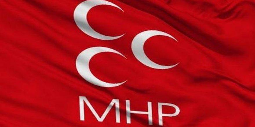 MHP'de 400 istifa