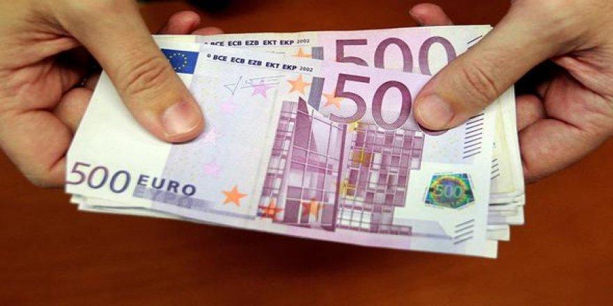 Tuvalette sifon çekilmiş binlerce euro bulundu!