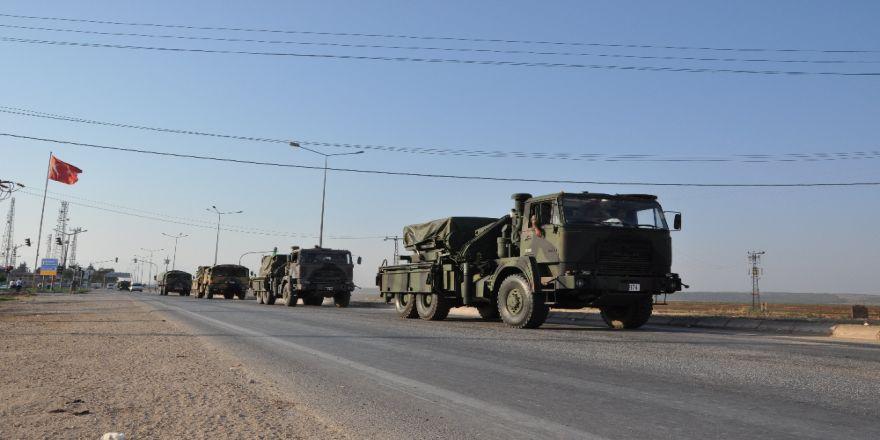 Askeri zırhlı araç konvoyu İlçeye Ulaştı