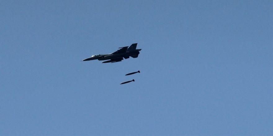 Türk Jetleri Zap'ta Pkk'yı Vurdu !