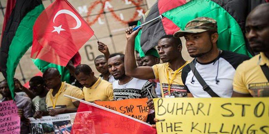 İstiklal Caddesi'ne bu kez Nijeryalılar çıktı