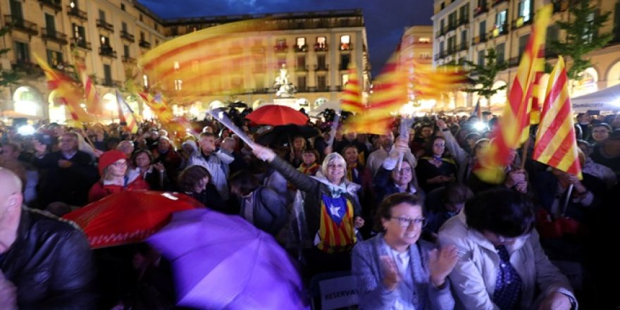 İspanyol hükümeti gerginliği düşürmeye çalışıyor