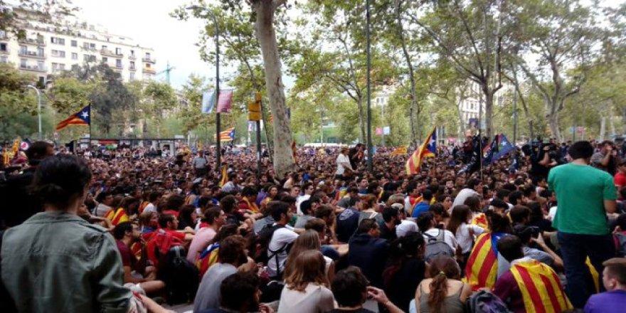 İspanya'da referandum gerginliği