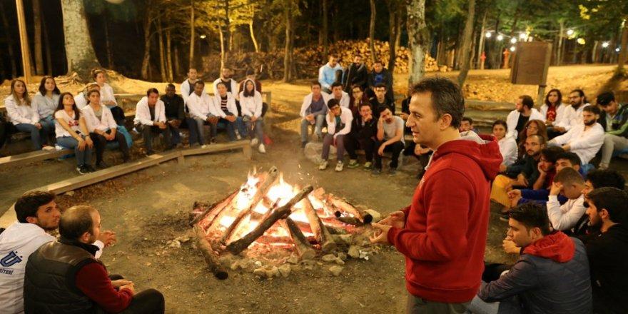 Rektör, öğrencileri ile kamp yaptı