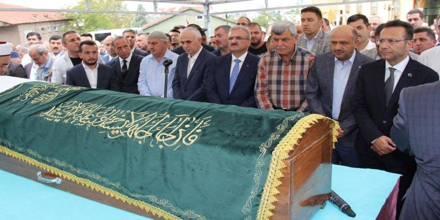 Karaosmanoğlu'nun babası son yolculuğuna uğurlandı