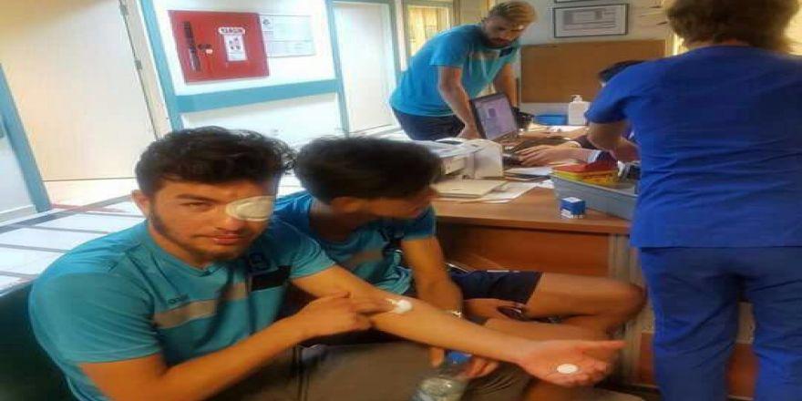 Takım Otobüsüne Taşlı Saldırı: 5 Futbolcu Yaralandı