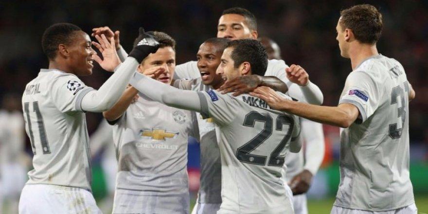 Manchester United Rusya'da dört dörtlük!
