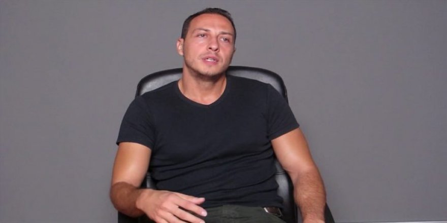Oyuncu Ali Aksöz doktor oldu