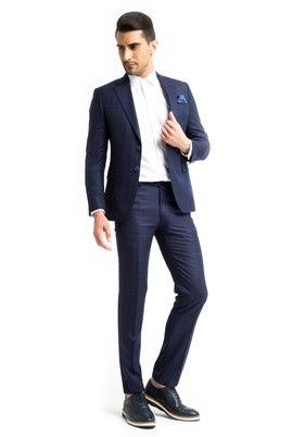 2cb9e7081c2a4 Slim Fit Takım Elbise Modelinde Aramanız Gerekenler
