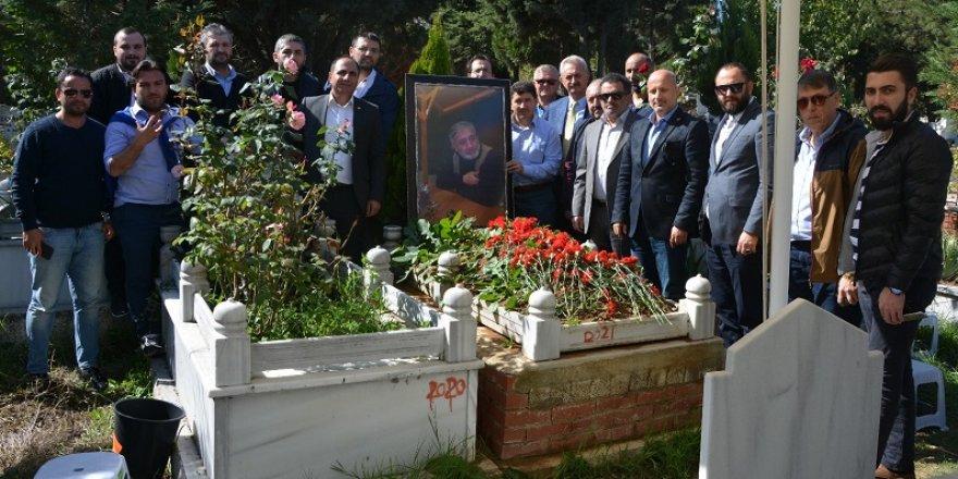 Tosunoğlu, mezarı başında anıldı