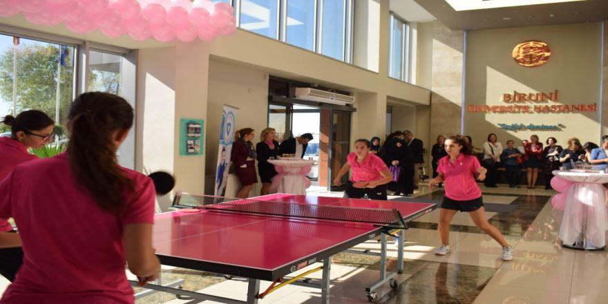 Masa Tenisi Bayan Milli Takımı Meme Kanserinde Farkındalık İçin Oynadı