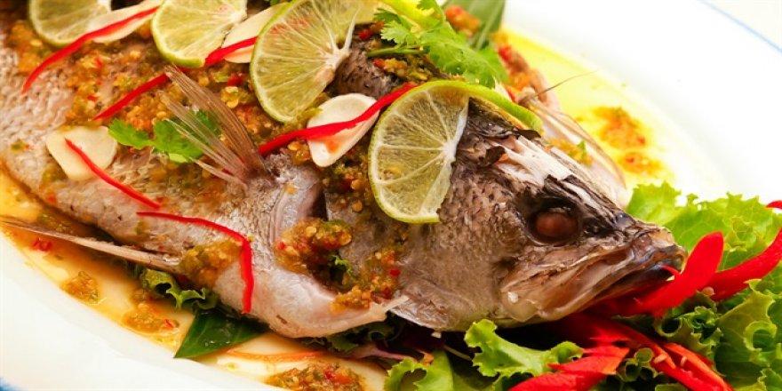 Balığın yanında roka yemeyin