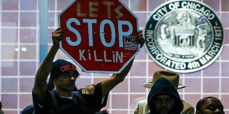Chicago'da polis şiddeti protesto edildi
