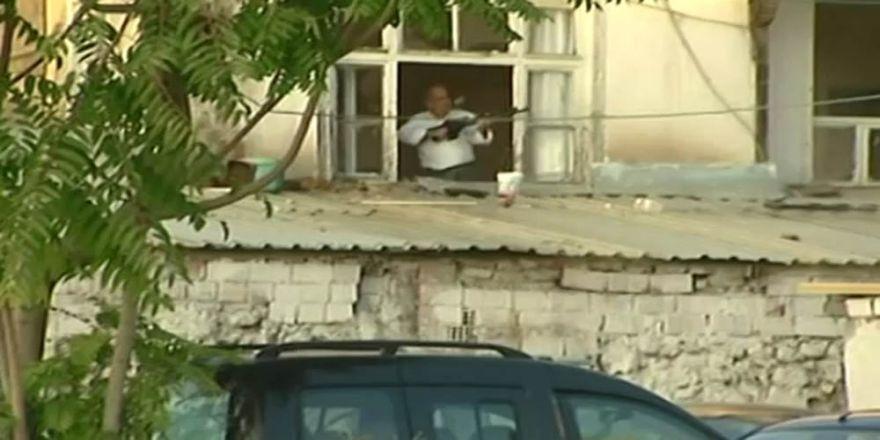 Başkent'te Pompalı Tüfekli Şahısla Polis Arasında Çatışma