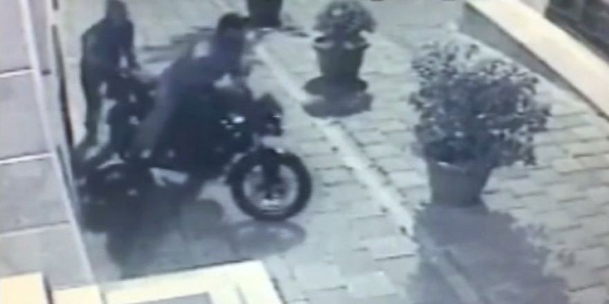Hırsızlara Zincir De Dayanmadı