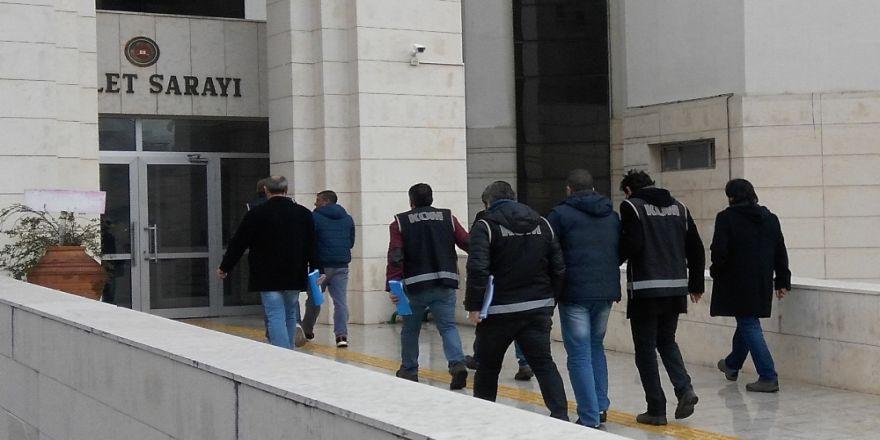 Terör Operasyonlarında 859 Kişi Gözaltına Alındı