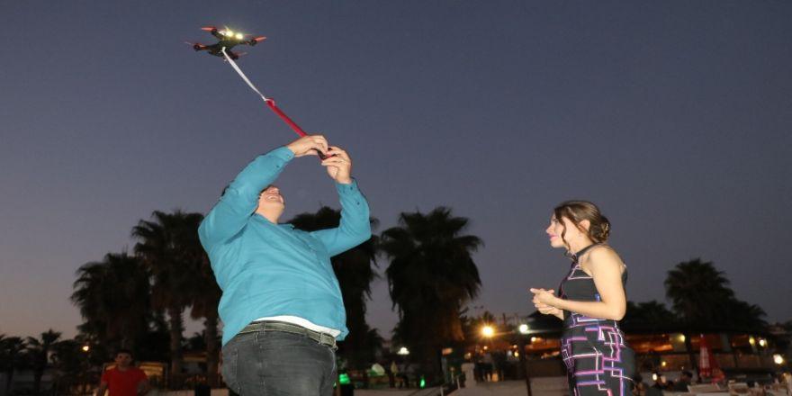 Sürpriz Evlilik Teklifinde Yüzük Drone İle Gökyüzünden Geldi
