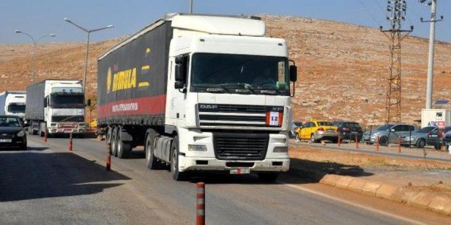 BM'den İdlib'e 18 TIR'lık yardım